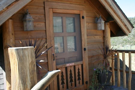 Exquisite Log Cabin Guest House - Cabin