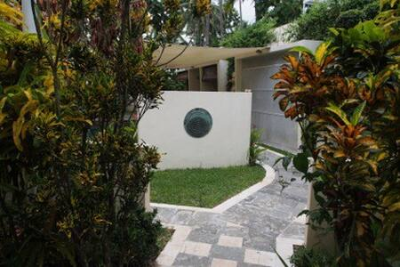 Sumber Sari Eco Villas - Villa Evi - Melaya - House