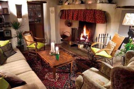 la vieille maison - chambre bleue - Durfort-et-Saint-Martin-de-Sossenac - Bed & Breakfast