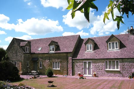 Cotswold Stone Barn for a relaxed stay - Little Rissington - Bed & Breakfast