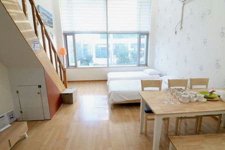 10sec wonderful duplex studio in hongdae location - Mapo-gu - Apartment