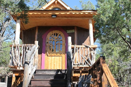 Jolly Llamas Getaway - Hobbit Cabin - Sommerhus/hytte