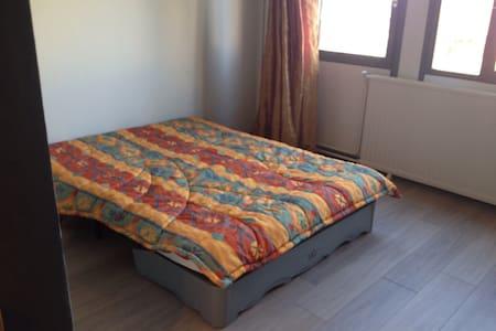 Appartement 31 m2 refait à neuf. - Apartment