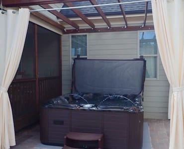 Private Suite Get-away, with an Outdoor Flair! - Rolesville