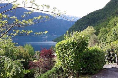 Casa Silvia -Beautiful Lake view/Petfriendly - Vesta