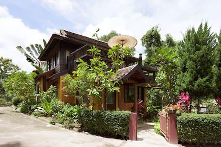Rim-Tarn, a private serene mountain chalet - Chiang Mai - Rumah