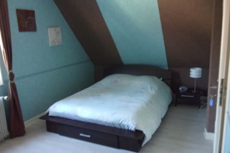chambre bleu chocolat - Bed & Breakfast
