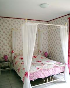 chambre romantique près de Beaune - Bed & Breakfast