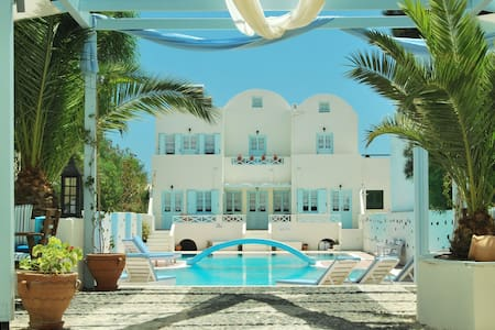 Aeolis Santorini Family Room  - Perissa