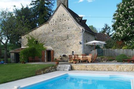 Dordogne Farmhouse & private pool - Beaumont-du-Périgord - Huis