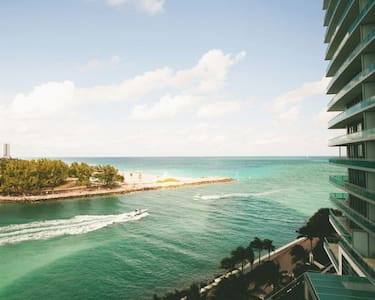 Luxury Ritz Carlton 2 bedroom - Bal Harbour - アパート