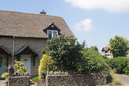 Charming Modern Cottage - Corfe Castle