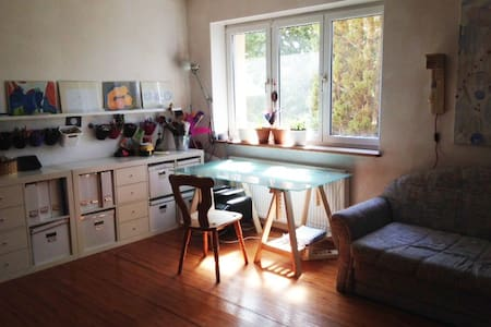 Cosy art-studio with garden and free food - Monaco - Bed & Breakfast