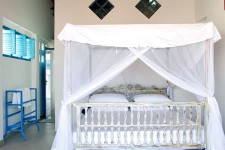 Galle Fort - Double Rm with Balcony - Bed & Breakfast