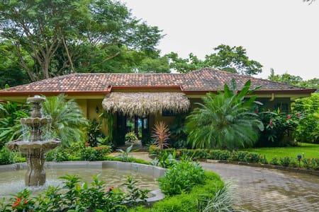 Maison tropical . tranquillité et + - Tarcoles - Villa