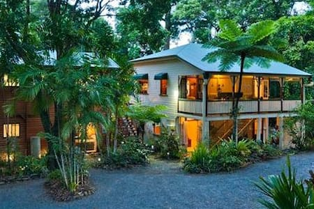 Red Mill House in Daintree - Bed & Breakfast