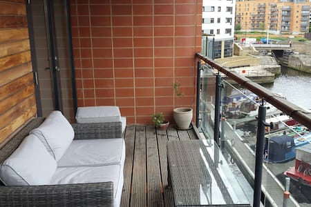 City centre room with bathroom - Leeds Dock - Appartement