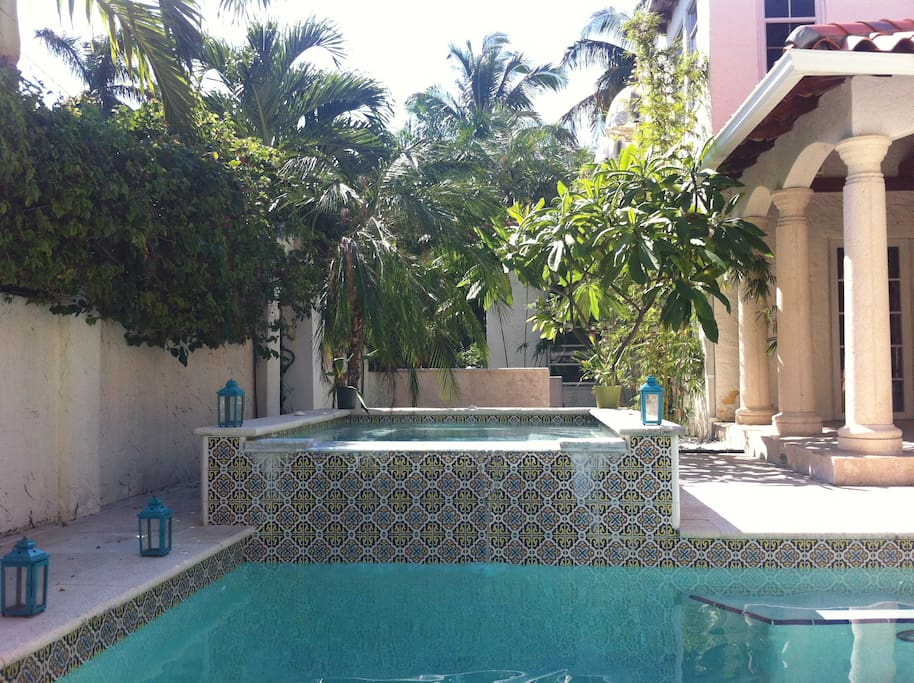 Beautiful tropical trees, Morrocan candleholders, Mexican tile...