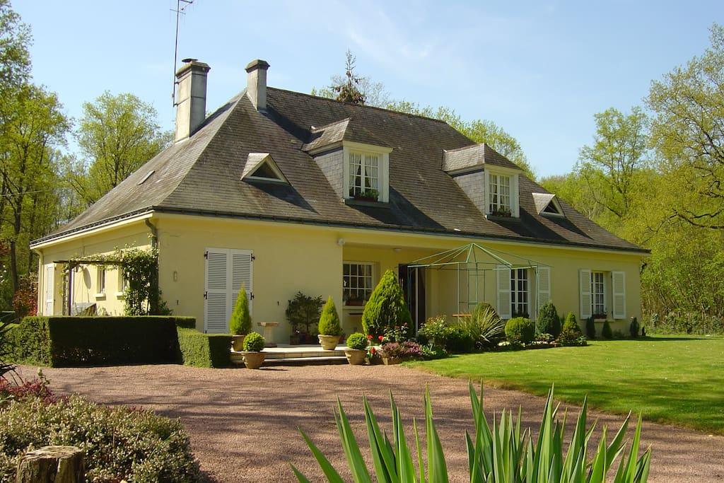 The pavillion style Loire maison