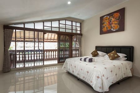 Balcony Room w/pool View Special - South Denpasar - Bed & Breakfast