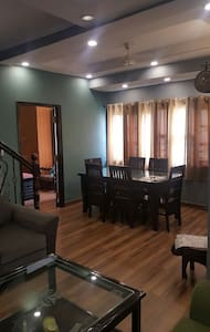 3BHK Apartment Fully Furnished - New Delhi