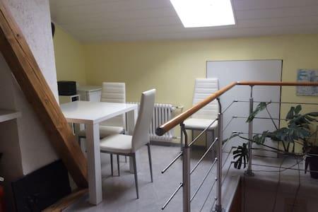 Gemütliche Räume in einem Fachwerkhaus - Huis