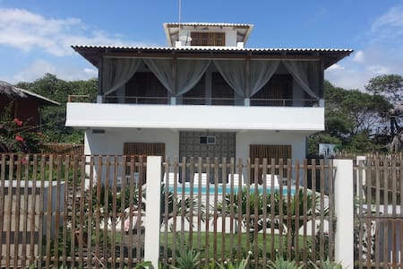 CasaWF Beachfront Guesthouse 2 - Bed & Breakfast