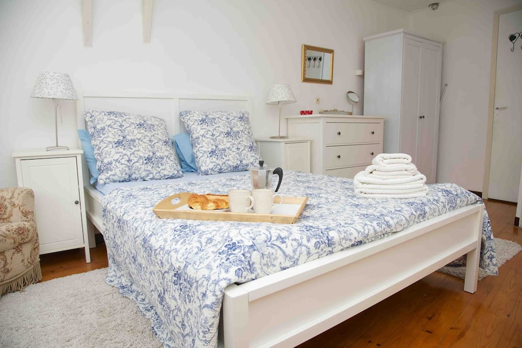 Bright Mater bedroom with King Sized bed and en suite Bathroom