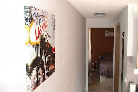 T2 a louer, nuitée, WE, semaine à partir de 40 € - Lespignan - Apartment
