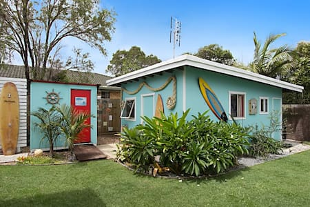 Beach Shack- Unique B&B by the Sea - Bed & Breakfast