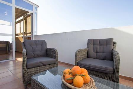 Studio 5e étage avec vrai terrasse