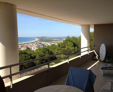 Sète Apartment with Stunning Views
