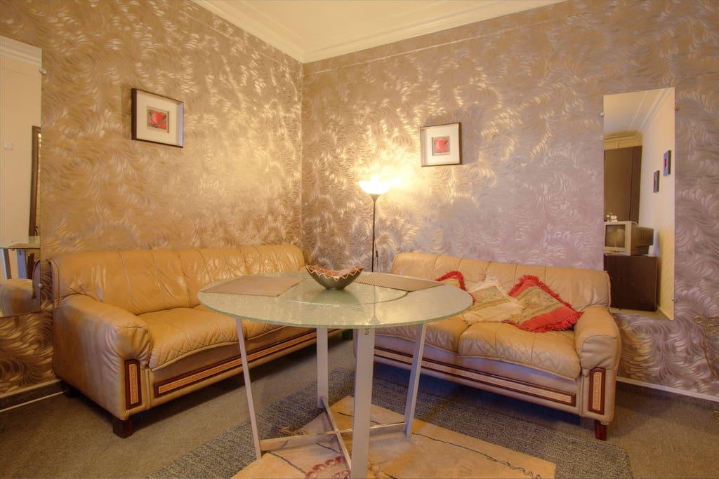 Уютная и очень удобная зона для отдыха или работы / Cozy relaxation area