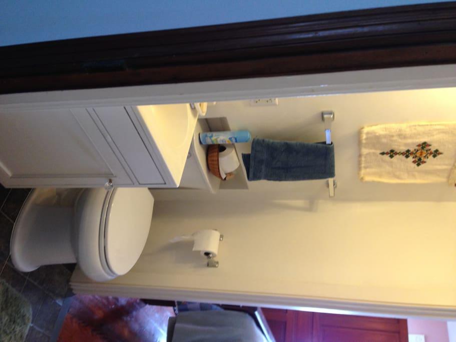 Bathroom between two bedrooms