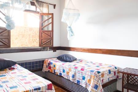 Wonderful Beachfront Island Room 3 - Hus