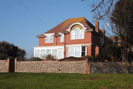 Stylish Guesthouse on Seaford Head - Pousada
