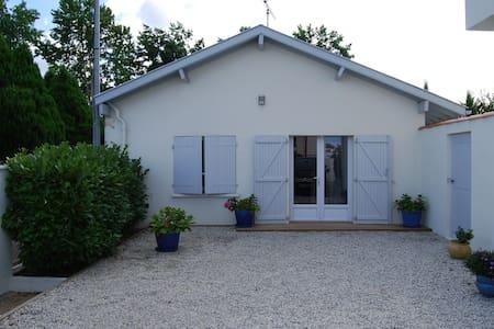 Petite Maison T1 - Casa