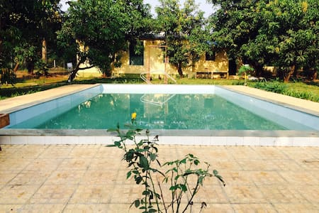 Private swimming pool farmhouse at Karjat - Bungalow