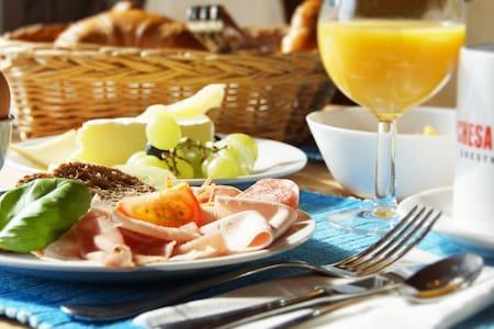 Camera standard con colazione - Silvaplana - Bed & Breakfast