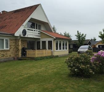 250m2 Summerhouse 200 m from the beach - Cottage