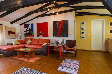 Apartman Galerija Bobanovic Colic - Leilighet