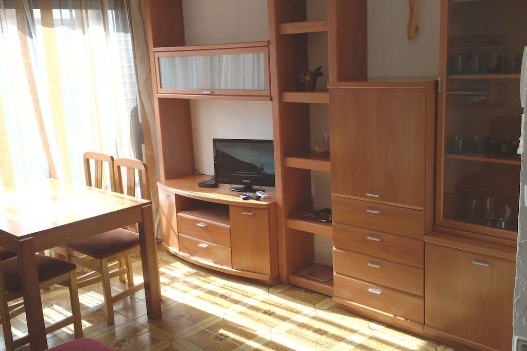 sunny 3-room flat 2 min. from metro