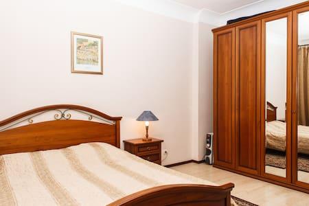2-х комнатная квартира в центре - Lakás
