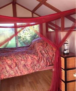 Polestar Eco-Cabin - Hawi - Blockhütte