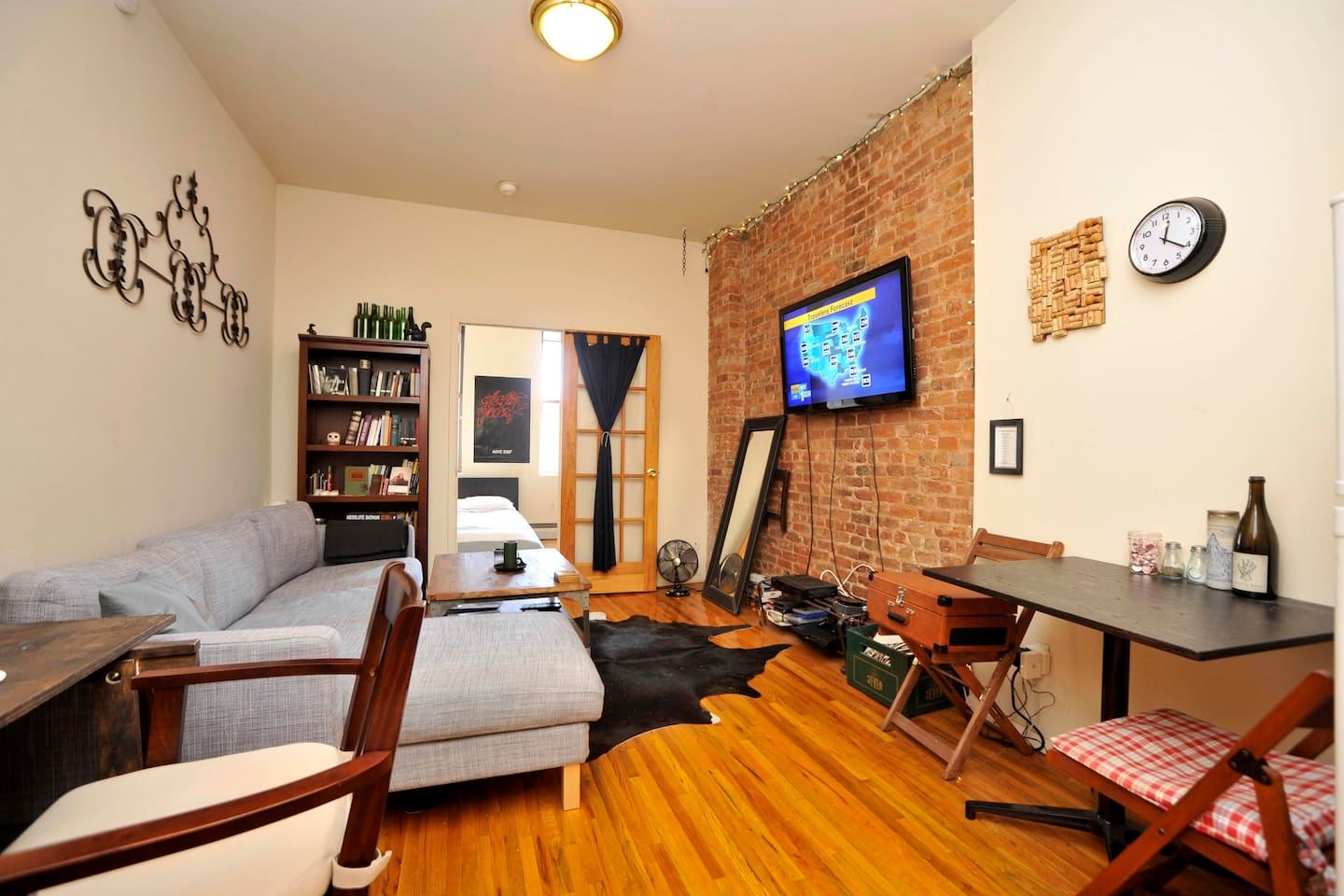 Large, comfy East Village apt!