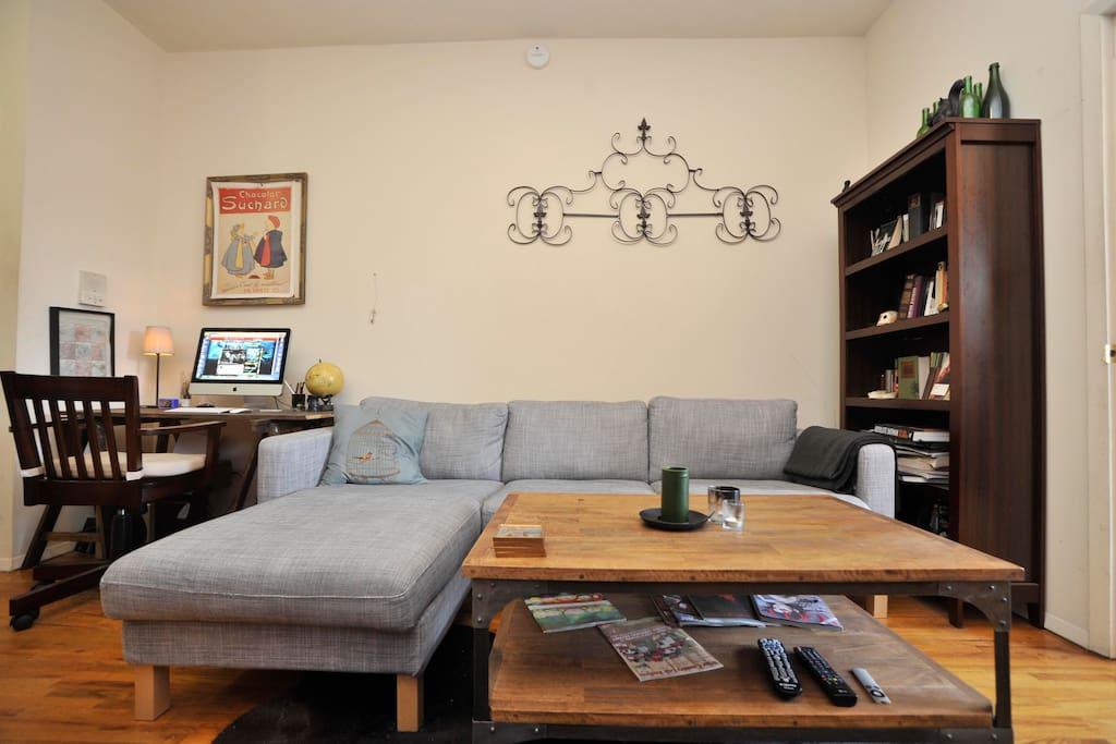 Large, comfy East Village apt!
