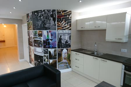 Luxury fully equipped apartment for 15 people - Liverpool - Lägenhet
