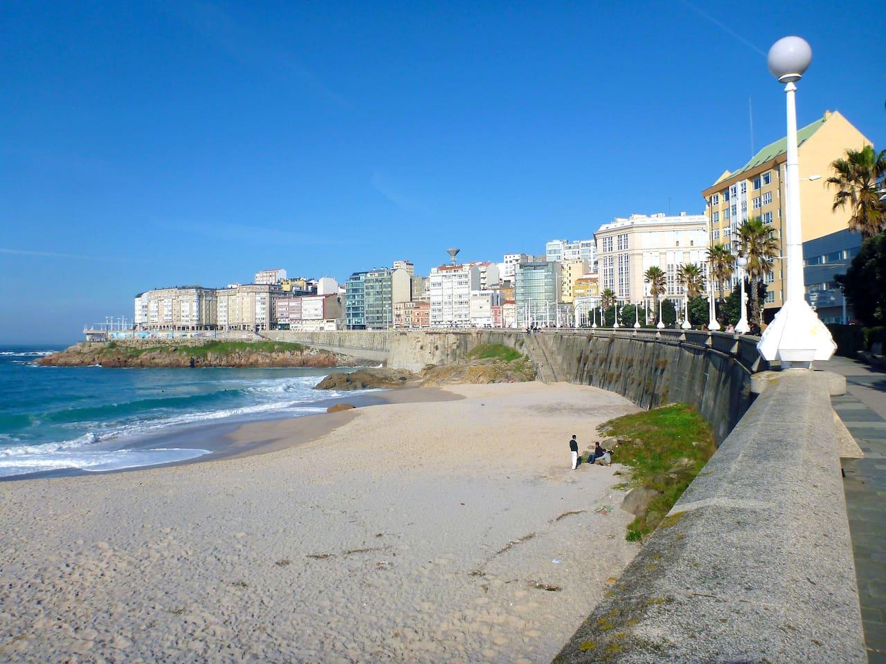 Playa de Riazor a 3min de la casa / Riazor beach 3min away