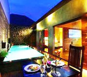 Seminyak Stunning Villa (1)