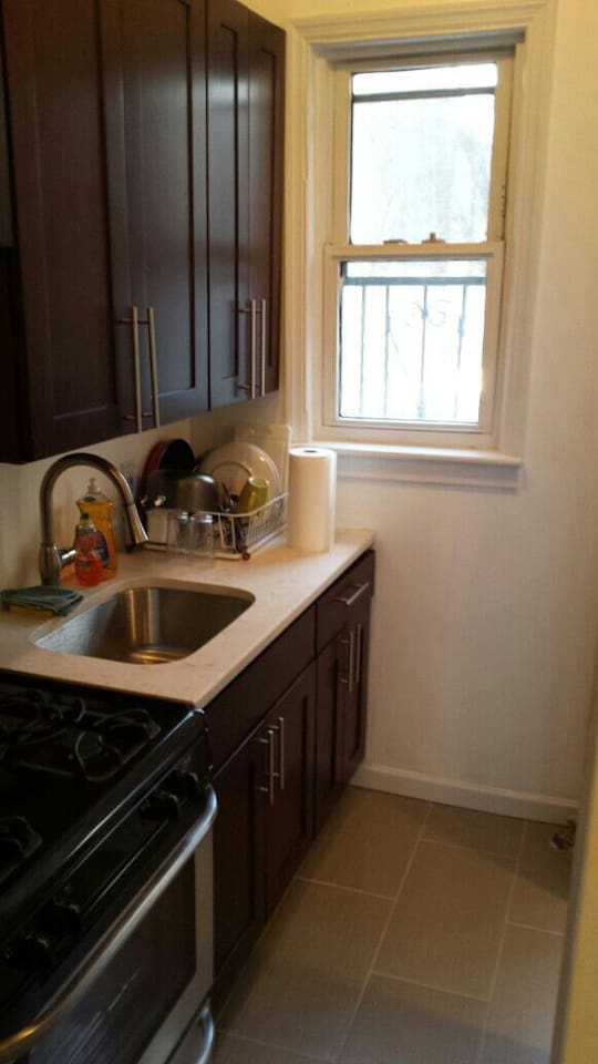 Clean Room for Rent 10 min From NYC